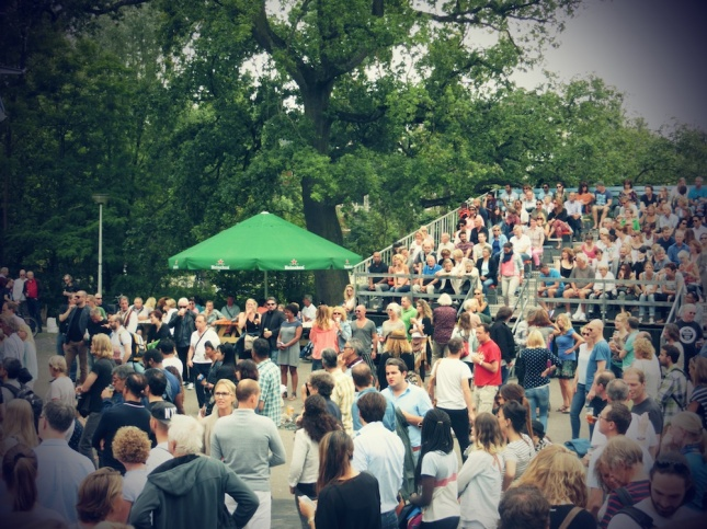 vondelpark crowd