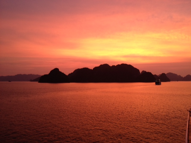 halong sunset